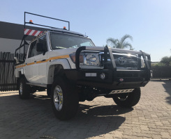 Toyota Land Cruiser With OL Bar