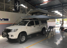 Toyota Hilux With BunduTec Tent (2)